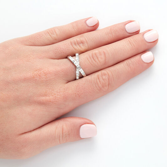 Bejewelled Interlink Ring Silver