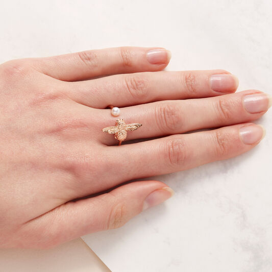 Pearl Bee Rose Gold Ring